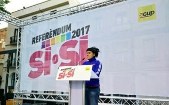 Vés a: La CUP exigeix que facin un «pas al costat» aquells que no vulguin desobeir pel referèndum