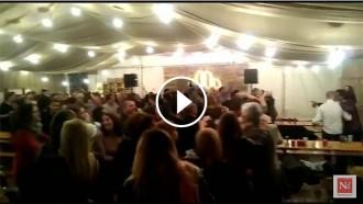 Vés a: VÍDEO La carpa d'ERC a la Fira d'Abril balla al ritme de «Tengo un tractor amarillo»
