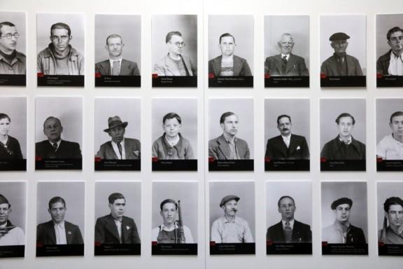 Cardona mostra prop d'un miler de retrats desconeguts de la Guerra Civil