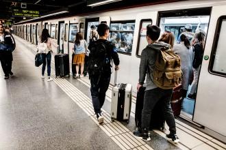 Vés a: Un jutge investiga si el tancament de portes del metro va provocar un accident greu