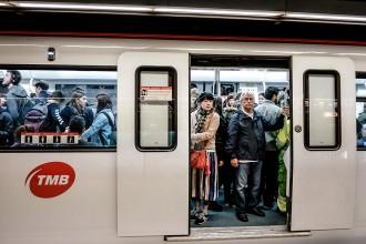 Vés a: El metro recupera una pau fràgil amb l'acord per desconvocar les vagues