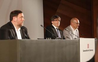 Vés a: Puigdemont alerta Rajoy que el compromís amb el referèndum és  «democràticament inviolable»