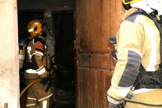 Vés a: Un home cala foc a casa seva al barri antic de Valls