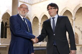 Vés a: Puigdemont i el fiscal general de l'Estat topen per la judicialització del procés en una reunió a Palau