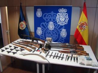Vés a: Un detingut a Vilanova i la Geltrú per ocultar desenes d'armes en una botiga de joguines