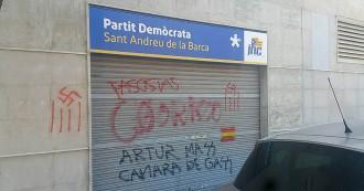 Vés a: Esvàstiques i «Artur Mas, cambra de gas», a la seu del PDECat a Sant Andreu de la Barca
