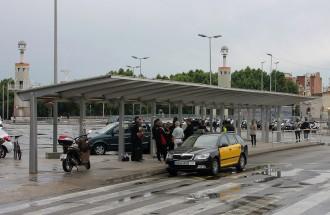 Vés a: La vaga dels taxistes deixa Barcelona i l'aeroport sense servei tot un dia