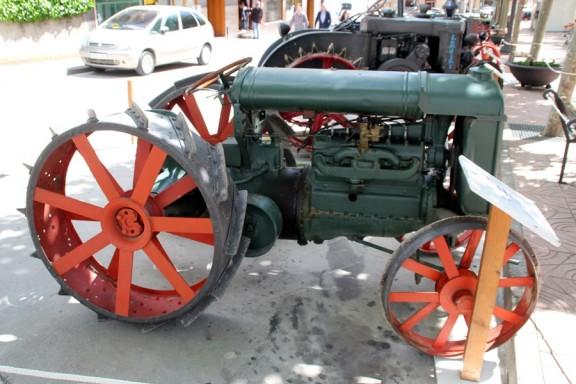 La Mostra de Tractors Antics torna amb força a la Fira de Sant Isidre