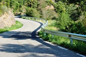 S'instal·len barreres de protecció a diversos camins d'Odèn