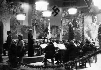 Vés a: Quan a Barcelona onejava la bandera nazi