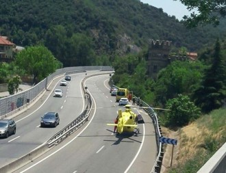 Vés a: Un motorista ferit en un accident a la C-17, a l'altura del Figaró