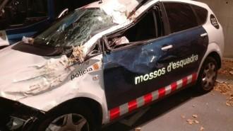 Vés a: Dos mossos ferits lleus per evitar atropellar un animal a Perafort