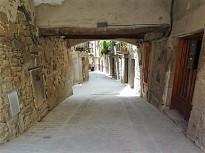 Vés a: Solsona arranja un dels vials del nucli antic en més mal estat, la travessia de Sant Isidre