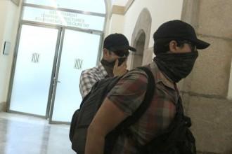 Vés a: El govern espanyol envia 200 guàrdies civils a Catalunya per controlar ajuntaments i diputacions