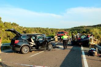 Vés a: Un mort i dos ferits greus en un accident múltiple a la C-12 al Segrià
