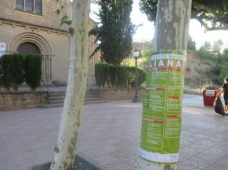 Apareixen cartells enganxats en llocs insòlits de Solsona