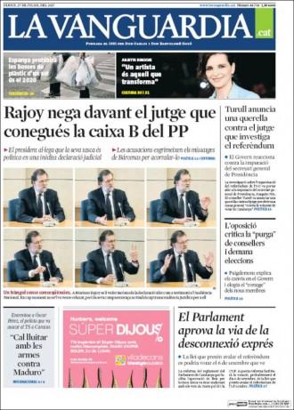 Vés a: «Espanya prohibirà les bosses de plàstic d'un sol ús el 2020», a la portada de «La Vanguardia»