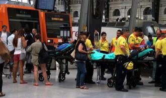 Vés a: 54 ferits, un de greu, en l'accident d'un tren a l'estació de França