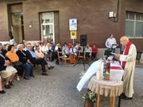 Vés a: El sopar de Sant Serapi reuneix uns 80 veins i veïnes a la Plaça Major
