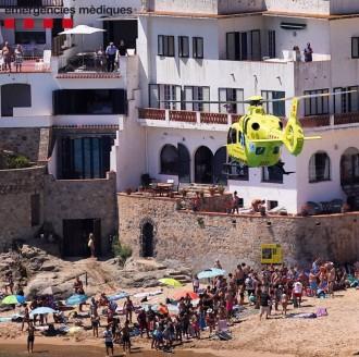 Vés a: VÍDEO Espectacular rescat amb helicòpter a la platja de Llafranc