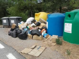 El Consell ha obert 7 expedients a infractors per abocaments incontrolats en punts de recollida de residus en els darrers sis mesos