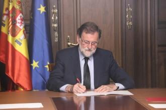 Vés a: Rajoy: «Als terroristes se'ls venç amb unitat institucional»