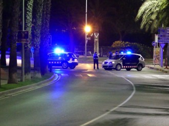 Vés a: Els Mossos abaten cinc terroristes en un intent d'atemptat a Cambrils