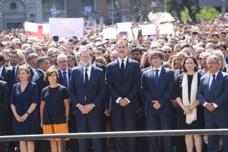 Vés a: Una multitud es concentra a Barcelona per dir que «no té por» al terror