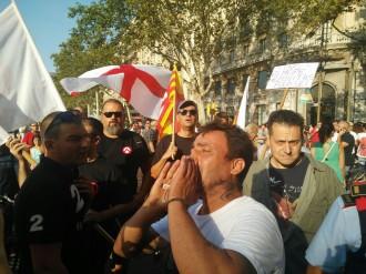 Vés a: Xoc entre militants de partits ultres i antifeixistes al centre de Barcelona
