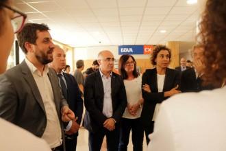 Vés a: Antoni Comín i Dolors Montserrat visiten les víctimes de Cambrils a l'hospital Joan XXIII