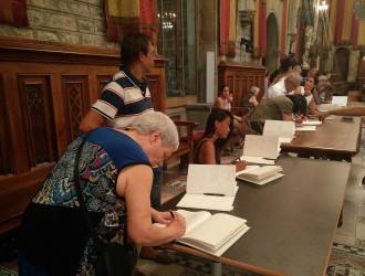 Vés a: L'Ajuntament de Barcelona mantindrà el llibre de condol fins al divendres
