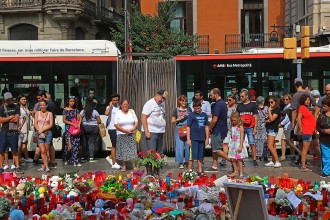 Vés a: L'atemptat obliga a repensar per fi la Rambla, plaça Catalunya i Sagrada Família