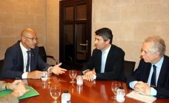 Vés a: Raül Romeva, ministre d'Exteriors per incompareixença espanyola