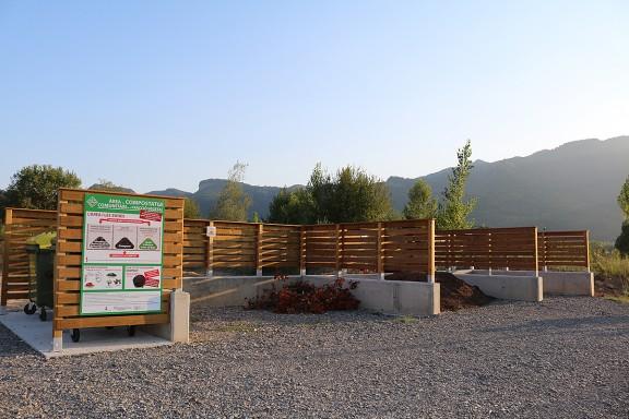 Vés a: La Vall d'en Bas instal·la una àrea de compostatge pionera a les comarques gironines