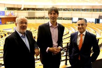 Vés a: Solé, Terricabras i Tremosa demanen a tots els eurodiputats que «és hora que la UE reaccioni»