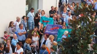 Vés a: VÍDEO Veïns del Vendrell exigeixen poder votar l'1-O després de la negativa de l'alcalde