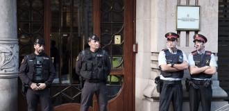 Vés a: La Guàrdia Civil irromp en seus del Govern en una operació contra el referèndum