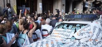 Vés a: La Guàrdia Civil ja deté alts càrrecs pel referèndum