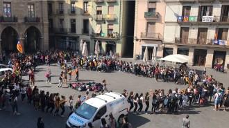 Els estudiants de Manresa també prenen la Plaça Major pel referèndum