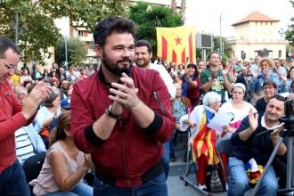 Vés a: Rufián, als detinguts per l'1-O: «Sou la dignitat del país»