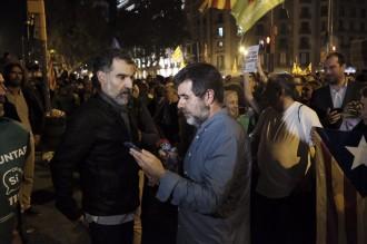 Vés a: La Fiscalia denuncia les concentracions per sedició, i apunta a Sànchez i Cuixart