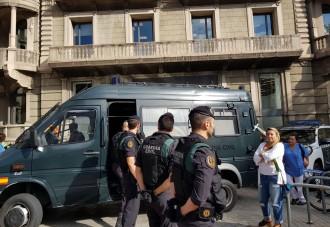 Vés a: El govern espanyol tindrà dimecres a Catalunya 10.000 agents a punt