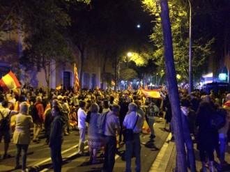 Vés a: VÍDEOS Violència ultra en una manifestació contra el referèndum