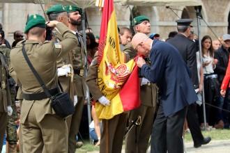 Vés a: Més de 300 persones juren la bandera espanyola a Figueres a una setmana de l'1-O