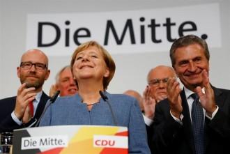 Vés a: La irrupció de l'extrema dreta rebaixa el triomf de Merkel