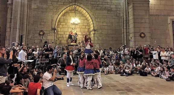 La Festa Major de Solsona viu una jornada singular amb els ballets dins la catedral