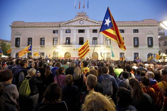 Diumenge de «Marató per la Democràcia»: tornen les mobilitzacions als ajuntaments