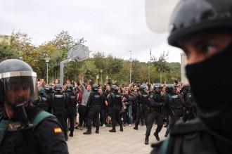 Vés a: El govern espanyol torpedina la comissió que investiga la violència policial de l'1-O