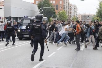 Vés a: El ministre Dastís, sobre les càrregues policials: «Moltes de les imatges són falses»
