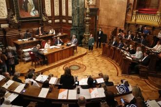 Vés a: VÍDEO en DIRECTE Primer ple de Barcelona després del trencament de Colau amb el PSC